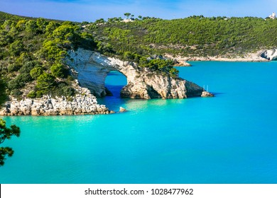 Italian holidays in Puglia - Natural park Gargano with beautifulturquoise sea