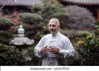 the Italian master has been practicing Chinese gymnastics tai Chi Chuan in the Chinese garden