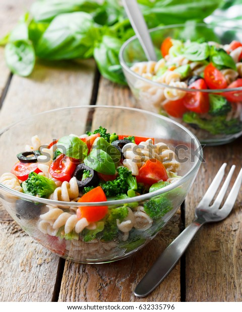 Italian salad with pasta and vegetables