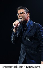 Milan Italy, 06 October 2006 : Live concert of George Michael at the Datch Forum of Assago: George Michael during the concert