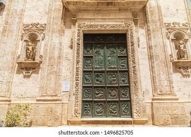 """Italy, Apulia, Metropolitan City of Bari, Monopoli. Chiesa di Santa Maria del Suffragio, also called La Chiesa del Purgatorio. A """"Purgatory church"""" where masses were held for dead souls in purgatory."""