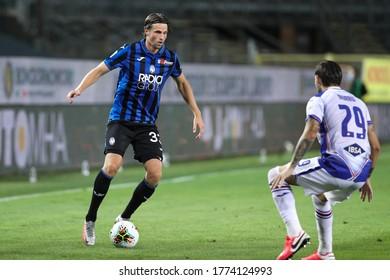 Italy, Bergamo, july 8 2020: Hans Hateboer, Atalanta defender, dribbles in frontcourt in the second half during football match ATALANTA vs SAMPDORIA, Serie A Tim 2019/2020 day31, Gewiss stadium