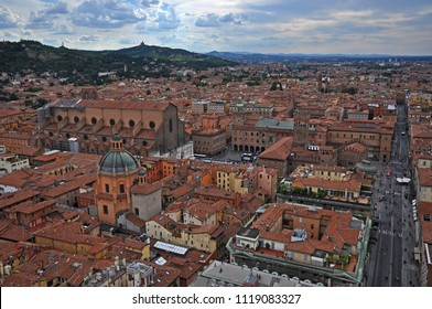 Italy, Bologna Major square and Rizzoli street aerial view from Asinelli tower.