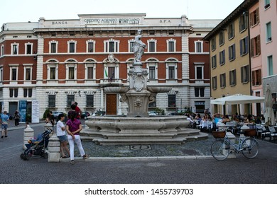 "Italy, Brescia -26 June 2019: Fountain of the ""Brescia Armata"" (Fontana della ""Brescia armata""), a baroque fountain and the copy of a statue of Antonio Calegari, Del Duomo Square (Piazza del Duomo)"
