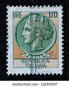 ITALY - CIRCA 1968: A stamp printed in Italy, shows Italia Turrita, circa 1968
