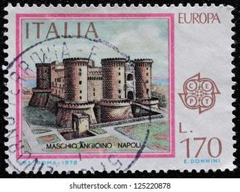 ITALY - CIRCA 1978: a stamp printed in Italy shows illustration of Maschio Angioino castle, Napoli, circa 1979