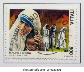 ITALY - CIRCA 1998: a postage stamp printed in Italy showing an image of Nobel Peace Prize winner Mother Teresa, circa 1998.