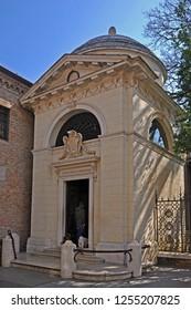 Italy, Dante Alighieri tomb in Ravenna, built in 1780.