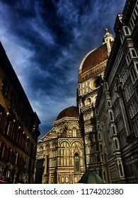 italy firenze florance square gothic antique buildings