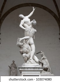"""Italy, Florence. Sculptural compositions """"The Rape of the Sabine Women"""" and """"Hercules and the Centaur"""" sculptor Giambologna in the loggia Lanzi"""
