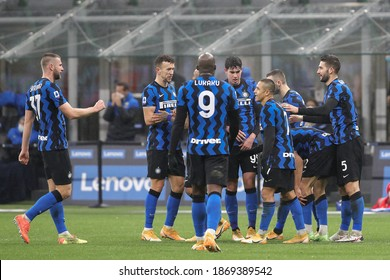 Italy, Milan, december 5 2020: Achraf Hakimi (Inter defender) celebrates with teammates the 3-1 goal at 70' during football match FC INTER vs BOLOGNA, Serie A 2020-2021 day10, San Siro stadium