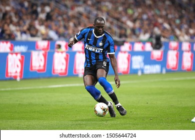 Italy, Milan, september 14 2019: Romelu Lukako, fc Inter striker, dribbles in frontcourt in the first half during football match FC INTER vs UDINESE, Serie A 2019/2020 day3, San Siro stadium