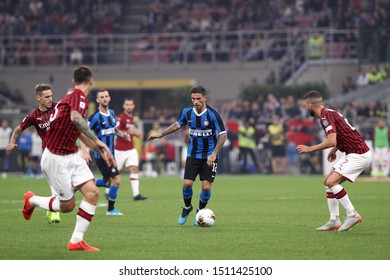 Italy, Milan, september 21 2019: Stefano Sensi, fc Inter midfielder, dribbles in frontcourt in the second half during football match AC MILAN vs FC INTER, Serie A 2019/2020 day4, San Siro stadium