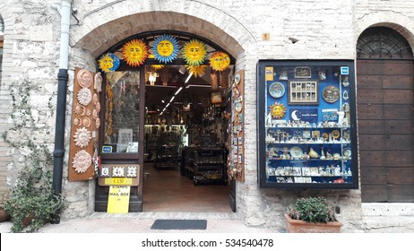 ITALY - OCTOBER 20, 2016: Souvenir shop front displaying beautiful souvenirs for tourist.