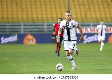 Italy, Parma, june 28 2020: Juraj Kucka, Parma midfielder, runs up the field in the first half during football match PARMA vs FC INTER, Serie A Tim 2019/2020 day28, Tardini stadium