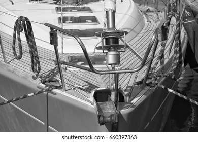 Italy, Sicily, Mediterranean Sea, Marina di Ragusa, nautical ropes and the bow of a sailing boat in the port