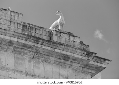Italy, Sicily, Noto (Siracusa Province), baroque animal statue on the Porta Reale stone Arc
