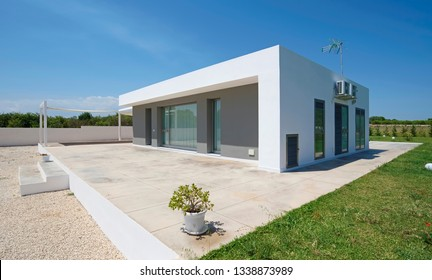 Italy, Sicily, Ragusa Province, countryside; 26 May 2018, elegant private house, view of the facade and the garden - EDITORIAL