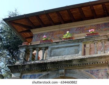 Italy, Tuscany: Tuscan balcony.