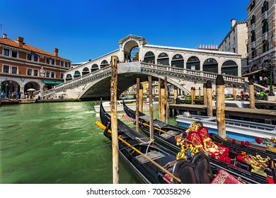 Italy. Venice. The Rialto Bridge (Ponte di Rialto) - the oldest bridge spanning the Grand Canal. Venice and its Lagoon is on UNESCO World Heritage List