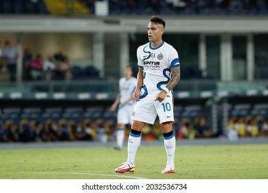 Italy, Verona, aug 27 2021: Lautaro Martinez (Inter striker) waiting for a goalkeeper-throw in the first half during football match HELLAS VERONA vs FC INTER, Serie A 2021-2022 day2, Bentegodi stadium