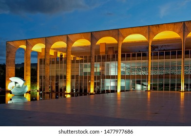 Itamaraty Palace - Headquarter of the Foreign Ministery. Oscar Niemeyer project and sculpture by Bruno Giorgi. Brasília - Brazil - 01/05/2018