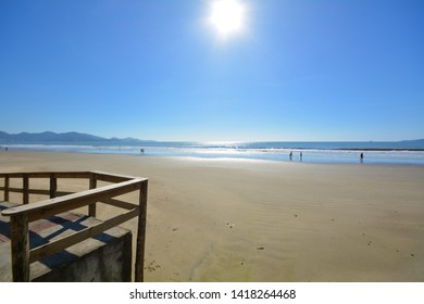 itapema beach, atlantic sea, beach of half beach in santa catarina, beach tourism and summer