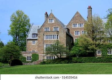 ivy league stone college building
