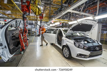 IZHEVSK, RUSSIA - AUGUST 15, 2017: Car production. Assembly line of new LADA VESTA SW CROSS Cars B0 Platform in Automobile Factory AVTOVAZ - The Member of Alliance RENAULT-NISSAN-AVTOVAZ-DATSUN