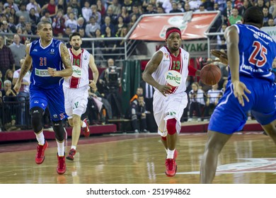 IZMIR -JANUARY 28: Pinar Karsiyaka's Bobby Dixon dribbles in Eurocup game between Pinar Karsiyaka 86-79 Paris Levallois on January 28, 2015 in Izmir