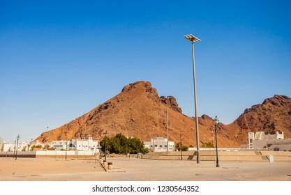Jabal Uhud, Medina, Saudi Arabia (07/2018) : pilgrims visiting Jabal Uhud and Sayyid al Syuhada mosque, historical places in Medina during umra and hajj.