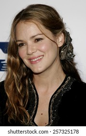 Jacinda Barrett a the Los Angeles Free Clinic Annual Dinner Gala Honoring Paramount Pictures held at the Beverly Hilton Hotel in Beverly Hills on November 20, 2006.