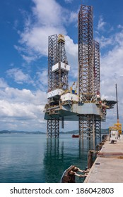 Jack Up Rig Images Stock Photos Amp Vectors Shutterstock