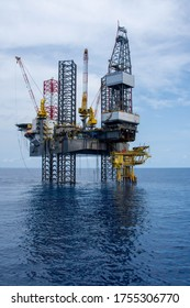 Jack up rigs oil and gas industry, oil platform, oil rig workers, oil field, drilling