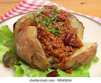 Jacket potato filled with chilli con carne