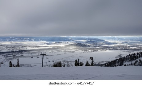 JACKSON HOLE, WY – DECEMBER 23, 2016: View from the top of Rendezvous Mountain, Jackson Hole ski resort as cloud blankets the valley.