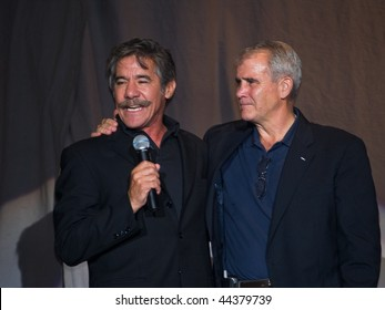 JACKSON, NJ - SEPTEMBER 10: TV personality Geraldo Rivera and Colonel Oliver North at THe Hannity Freedom Rally on September 10, 2007 in Jackson, NJ.