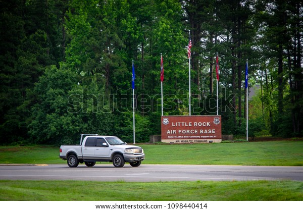 City Motors Jacksonville Ar >> Jacksonville 23 2018 Vehicle Exits Gate Stock Photo Edit