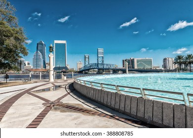 Jacksonville skyline and fountain, Florida.