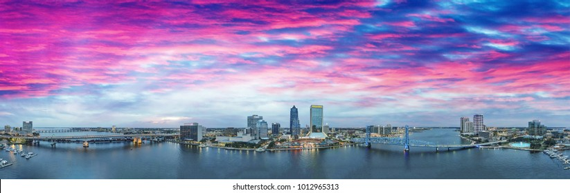Jacksonville skyline at sunset, beautiful panoramic view of Florida.