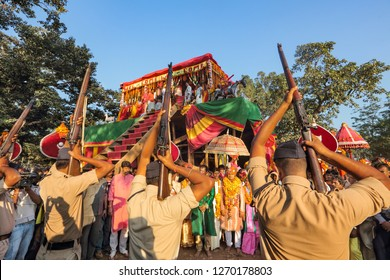 Jagadalpur,Bastar,25,October,2012: Tribal king Kamal Chandra Bhanjdev   family members receive the guard of honour as Dussehra Festival  rituals  near Chariot ,Jagadalpur ,Bastar Chhattisgarh,India