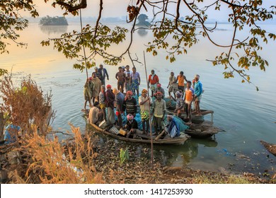 Jagdalpur ,20,December,2011 :  Group of  fishermen  enter lake  Dalpat Sagar in their boats for sweet water  fishing ,Jagdalpur, Bastar, Chhattisgarh, India,Asia