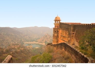 Jaigarh fort on top of a hill.