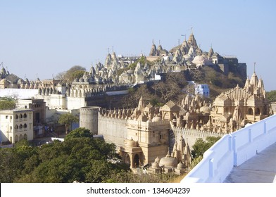 Jain temples, Mount Shatrunjaya, Palitana, Gujarat, known as Shri Shatrunjaya Tirtha. Important temples and shrines of the Jain religion. Sheth Motisha Tonk and Shatrunjay Adinath Main Temple.