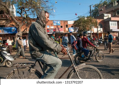 JAIPUR, INDIA - FEBRUARY 2, 2011: Morning rush in Japiur, which is the largest city in Rajasthan with a population of 3-4 million.