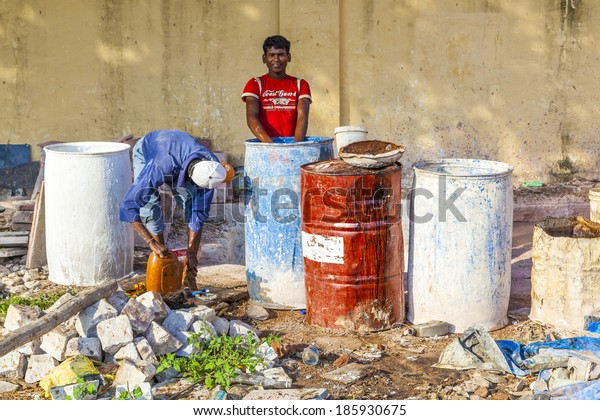 JAIPUR, INDIA - OCTOBER 18: worker at a construction site on October 18, 2012 in Jaipur, India. Labour sector of Indian economy consists of roughly 487 million workers, the second largest after China.