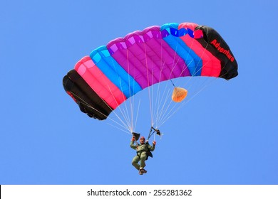 JAISALMER, INDIA -FEBRUARY 17: Unidentified air force soldier skydives during Desert Festival on February 17, 2011 in Jaisalmer, India. Main purpose of this Festival is to display culture of Rajasthan