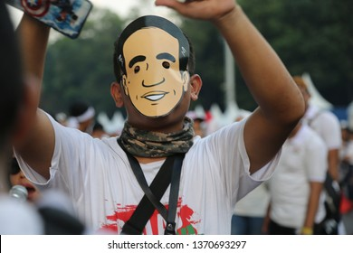 Jakarta/ Indonesia, 13th April 2019,  One of the many enormous flags featuring Jokowi's face at the final rally in the incumbent's re-election campaign at Gelora Bung Karno Stadium.