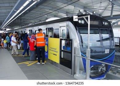 Jakarta, Indonesia April 9, 2019 :   passengers board to MRT train at the station. The Jakarta MRT start operations in March 2019 for Bundaran HI to Lebak Bulus in a journey distance of 16 KM .