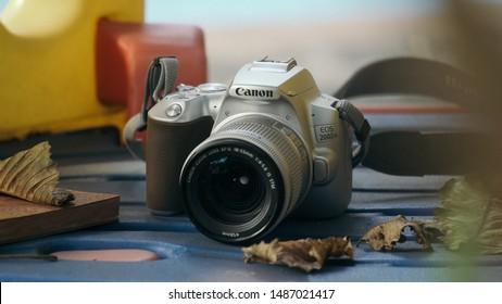 Canon 200d Images, Stock Photos & Vectors | Shutterstock